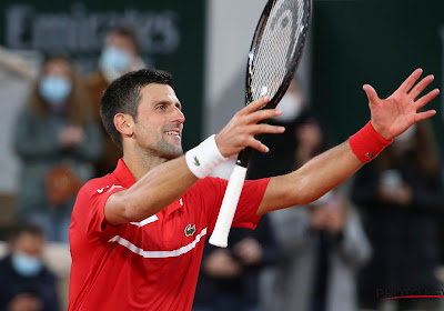 Djokovic rekent in vier sets af met Carreño Busta op Roland Garros