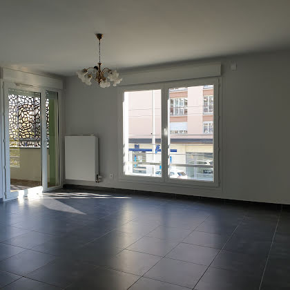 Location appartement 4 pièces 75,02 m2