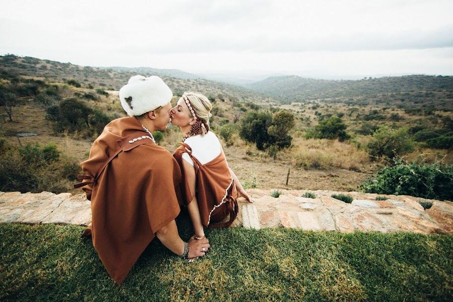 Wedding photographer Vasiliy Tikhomirov (BoraBora). Photo of 20.03.2015