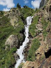 Photo: Un salt d'aigua que cal superar...