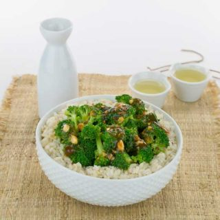 Quick and Easy Vegan Broccoli with Spicy Garlic Sauce
