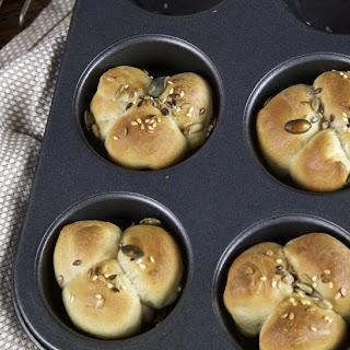 Clover Leaf Bread Rolls.
