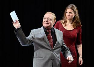 """Photo: WIEN/ Theater in der Josefstadt: """"VOR SONNENUNTERGANG"""" von Gerhard Hauptmann. Premiere 3.9.2015. Siegfried Walther, Marina Senckel. Copyright: Barbara Zeininger"""