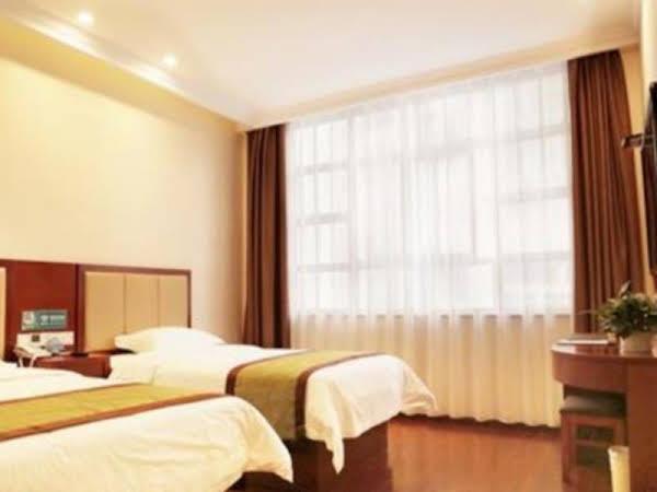GreenTree Inn HanZhong Railway Station Beiyihuan Road Express Hotel