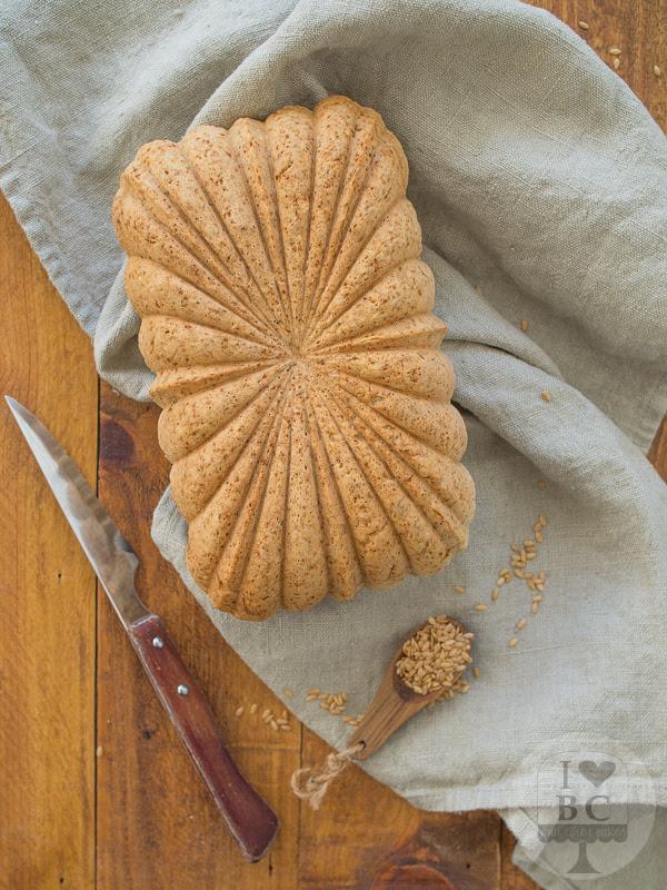 Soda Bread con lino dorado