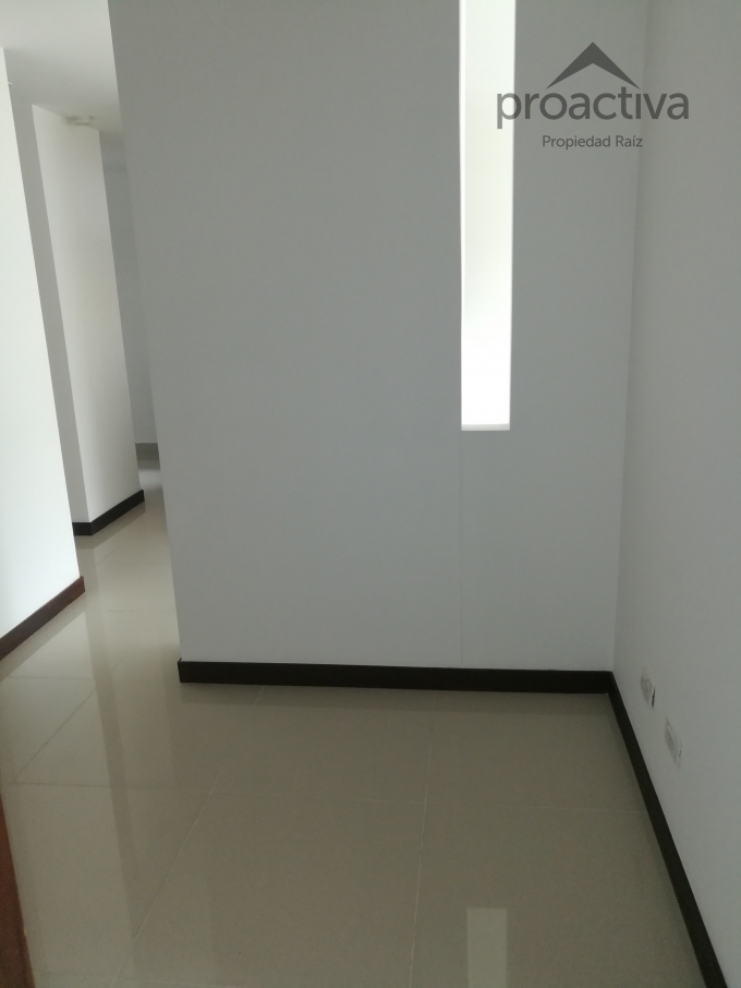 apartamento en arriendo loma del escobero 497-5570