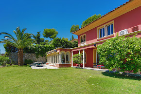 Beautiful and Elegant Villa in the Center of Old Mougins in mougins
