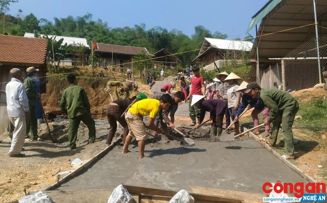 Nông thôn mới tại nhiều địa phương khởi sắc nhờ sự đoàn kết của bà con nhân dân