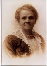 Photo: Mary Lucy (WRIGHT) STRONG. Date unknown. Original photo in the possession of Avis Strong Russell, Italy, Texas, 2008.