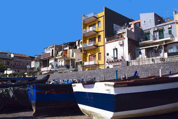 Barche sul borgo di danbag___