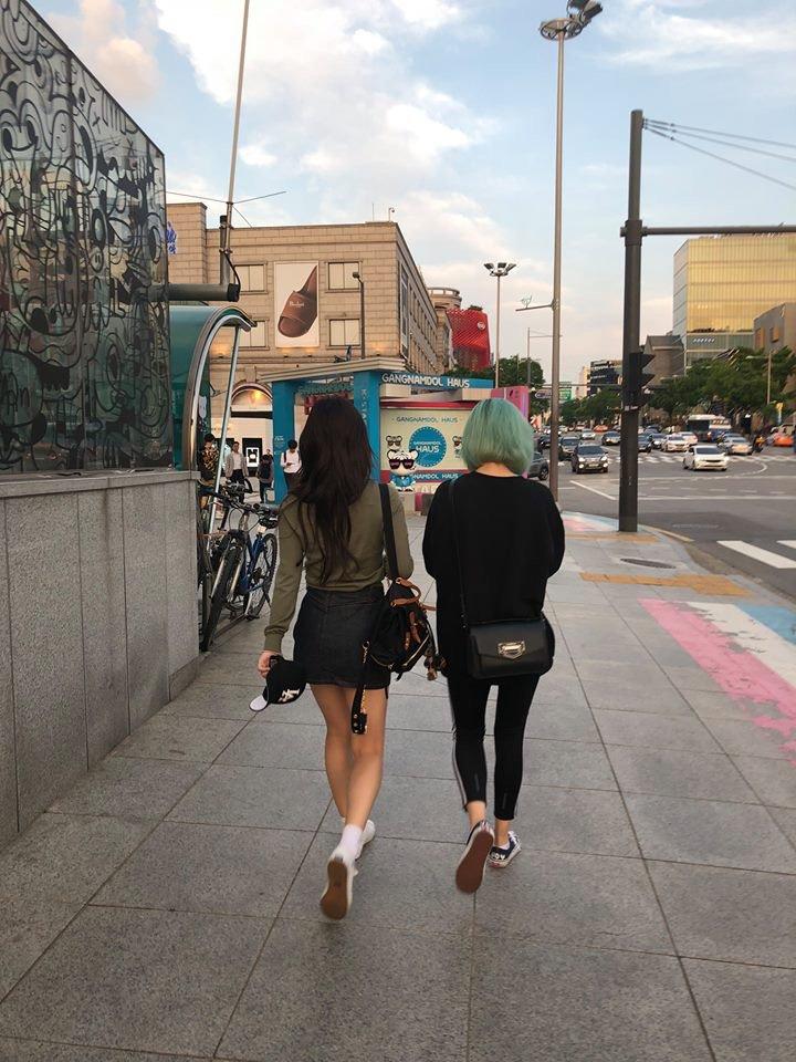 nayeon jeongyeon date