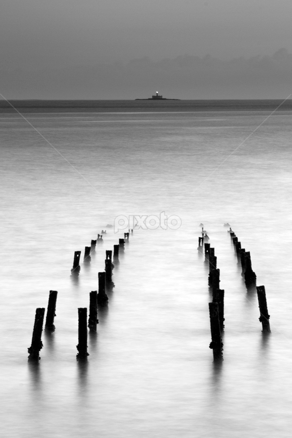 by Nuno Martins - Landscapes Waterscapes ( algés, water, black and white, tagus, cruz quebrada, river )