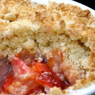Gluten Free + Vegan Pear and Plum CRUMBLE.