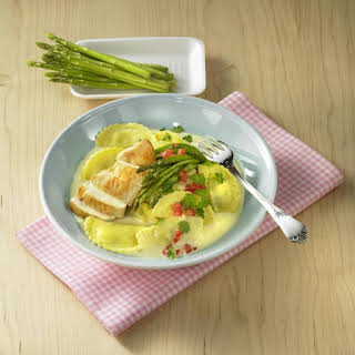 Ravioli with Chicken and Asparagus.