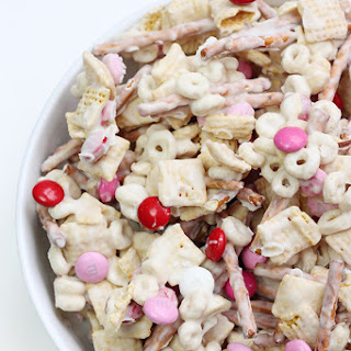 Valentine's Day Snack Mix + Free Printable.