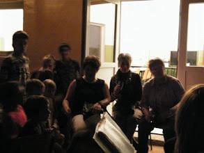 Photo: Szombat esti Tabulatúra koncert az emmausi gyerekeknek a szabadban. Holland vendégek Eszterrel és gyerekekkel.
