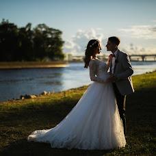 Wedding photographer Anton Esenin (AEsenin). Photo of 19.08.2018