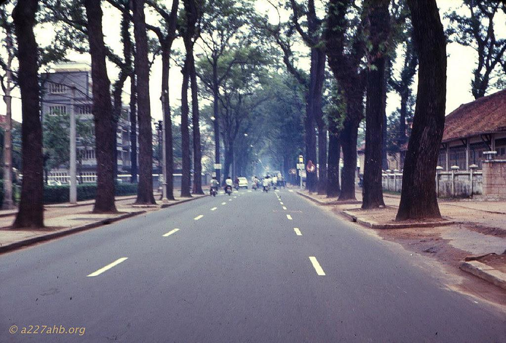 60 tấm ảnh màu đẹp nhất của đường phố Saigon thập niên 1960-1970 - 32