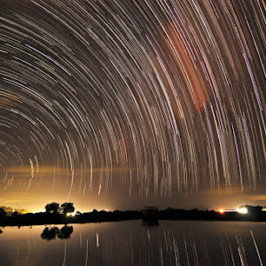 startrail-tambak-up-pixoto.jpg