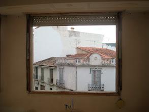 Photo: Restauración de ventanas en vivienda. Decapado manualmente  y esmaltado con esmalte de poliuretano al agua.