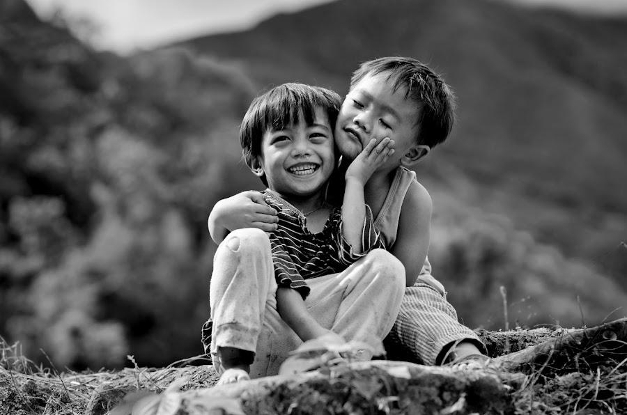Bestfriends by Ian Cuison - Babies & Children Children Candids ( ian cuison )