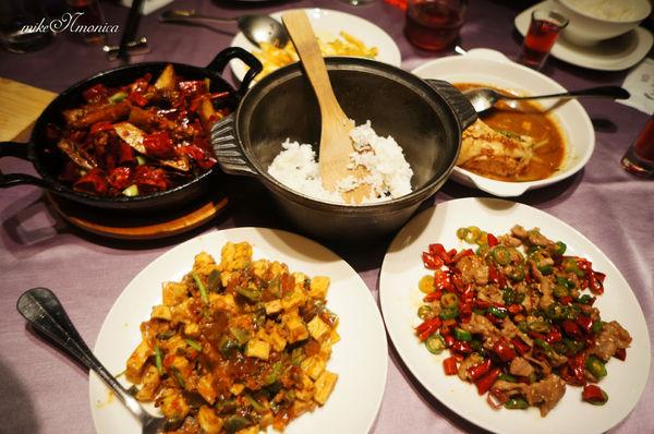 開飯川食堂KAIFUN 氣氛佳服務好的川菜饗宴 京站店B3美食街