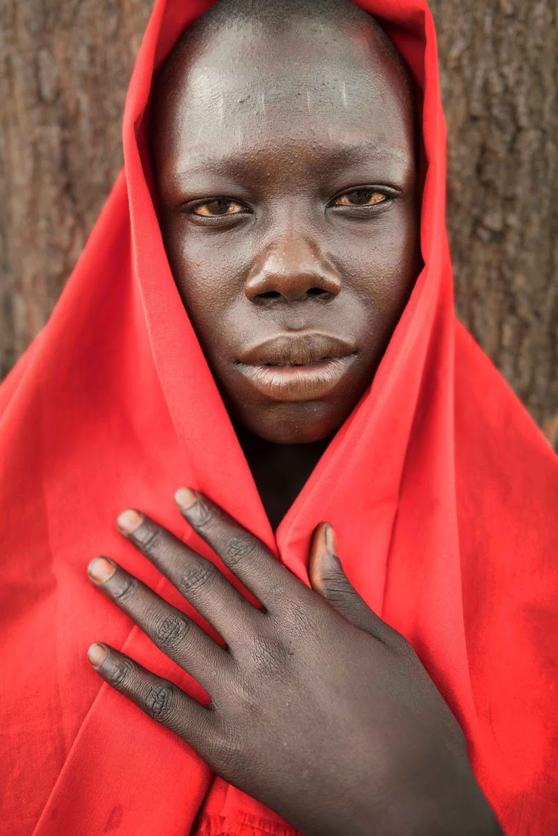The Woman in Red di Roberto Pazzi