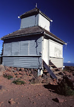 Photo: Historic cupola-style fire lookout building, Black Butte, Oregon