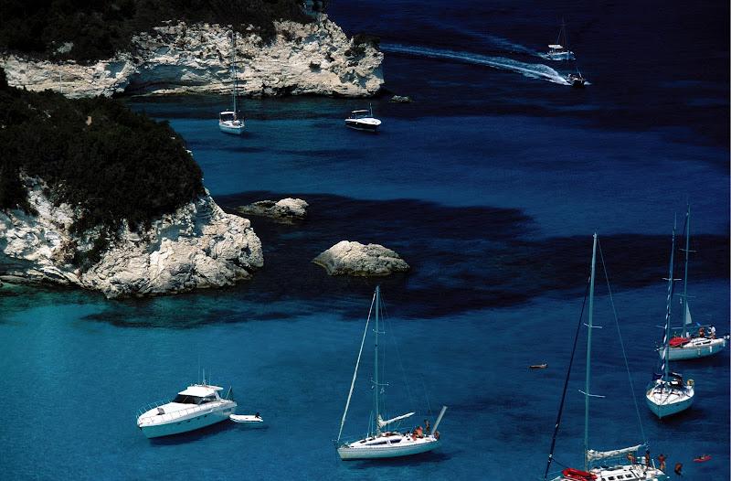 Photo: Paxi, Antipaxi: Ionian Paradise Voutoumi beach, boats
