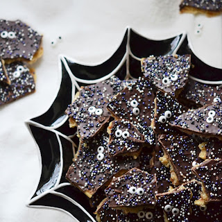 Spooktacular Halloween Cracker Candy