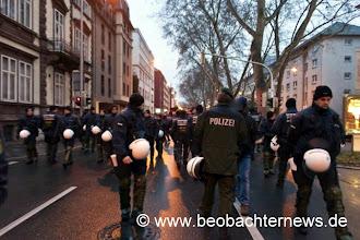 Photo: Nein, das ist keine Polizistendemo! Sie sehen keine Demo? Wir auch nicht. Versammlungsfreiheit nach deutschem Muster!
