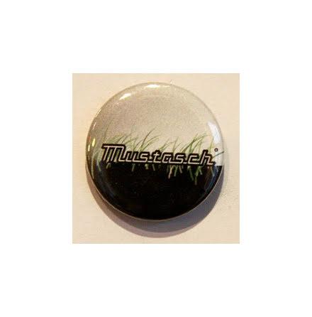 Mustasch - Gräs - Badge