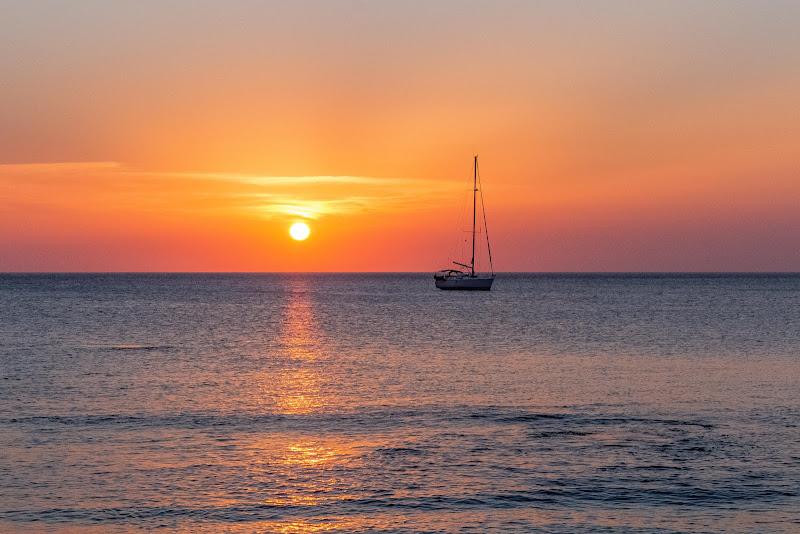 Navigando verso il tramonto di utente cancellato
