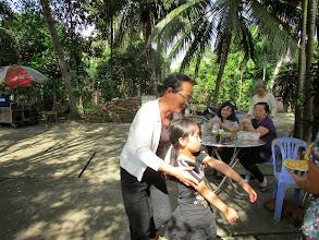 Photo: Ánh đón cháu nội (?) học thêm Anh văn ở nhà thầy Thi