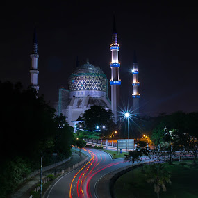 Masjid Sultan Abdul Aziz,Shah Alam,Selangor,Malaysia by Adi Adlee - Uncategorized All Uncategorized