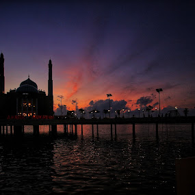 Amirul Mukminin Floating Mosque by Frans Priyo - Buildings & Architecture Places of Worship ( makassar, night photography, indonesia, floating, seascape, landscapes, nightscape )