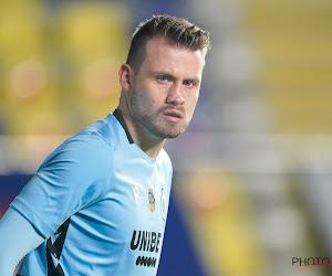 """Simon Mignolet houdt Club in tweede helft overeind bij 'zijn' STVV: """"Bibberen"""""""