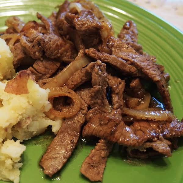 Prego No Pão - Garlic Nailed Steak - Portugal Recipe