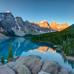 Lake Moraine at sunrise by Filippo Bianchi - Landscapes Waterscapes ( lago, alba, canada, park, national, sunset, d5000, filippo, lake, banff, moraine )