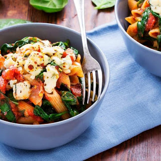 One Pot Tomato Basil Pasta with Mushrooms and Spinach.