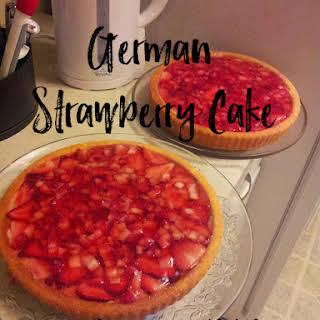 German Strawberry Cake-Erdbeer Küchen.