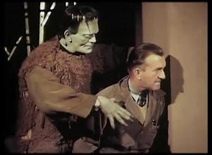 """Photo: Karloff e Jack Pierce num teste de cores para o filme """"O Filho de Frankenstein"""": a pele do monstro era verde. http://filmesclassicos.podbean.com"""