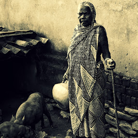 old lady by Deependra Bapna - People Street & Candids ( water, old. poor )