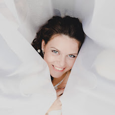 Wedding photographer Anna Buyakova (Annluminous). Photo of 06.02.2014
