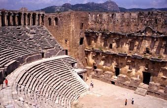 Photo: Aspendos, le théâtre ultra bien conservé