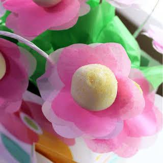 Strawberry Cake Pops.