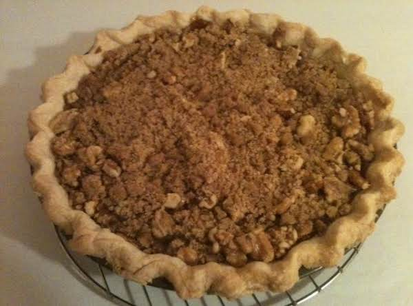 Easy Apple Streusel Pie Recipe