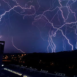 Lightning stacked @ Segar Garden, Singapore.  by Lim Wee - Landscapes Weather