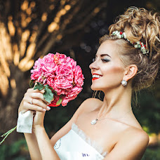 Wedding photographer Anton Kharisov (Fotoshi). Photo of 26.08.2016