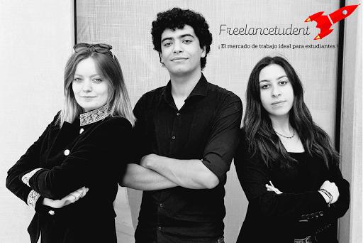 Mathilde, Aimane et Narjis. L'équipe Freelancetudent.